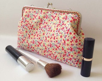 Cosmetic Purse Red Floral MakeupToiletry Bag Kiss Lock