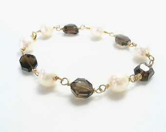 Smoky Quartz and Pearl Bracelet, Freshwater Pearl, Gemstone and Pearl, Quartz Bracelet, Gold Smoky Quartz , Pearl Smoky Quartz, White Pearl