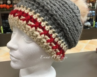 Hat with Pompom - low Style of wool
