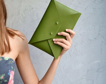 Green leather clutch bag / Enveope clutch / Green leather bag / Genuine leather / Wedding clutch / Bridesmaid clutch