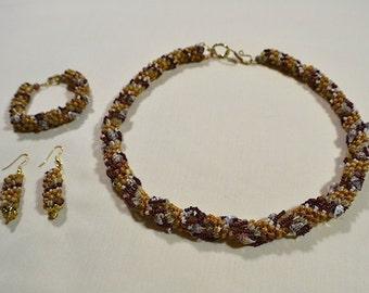 Dutch Spiral Necklace Set: Sandy Beaches