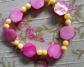 Shell Elasticated Bracelet