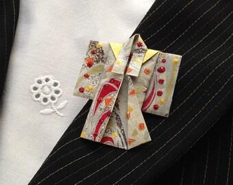 Origami Kimono Pin (red detail)