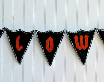 """Handcrafted Wool and Chain """"HALLOWEEN"""" Bunting"""