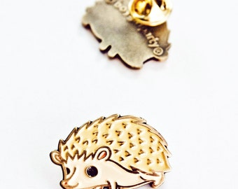 Enamel Pin Badge Hedgehog Pin Enamel Lapel Pin Hedgehog Enamel Jewelry Hedgehog Brooch Cute Pin Game