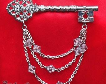 Clear Crystal Beaded SKELETON KEY BROOCH Rhinestone Pin Silver Plated Victorian P49