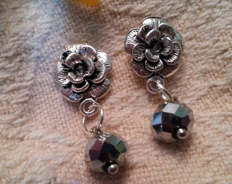Sterling silver 925  POST flower earrings with crystal drop (silvery tone glass)