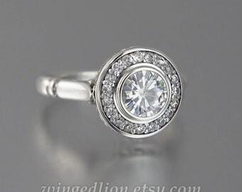 The SECRET DELIGHT 14k gold engagement ring 1ct Forever Brilliant Moissanite