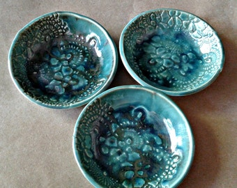 THREE Ceramic Prep nesting Bowls malachite green Organic Shape