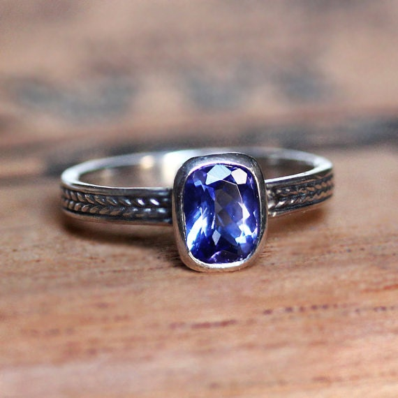 tanzanite ring tanzanite engagement ring blue tanzanite. Black Bedroom Furniture Sets. Home Design Ideas