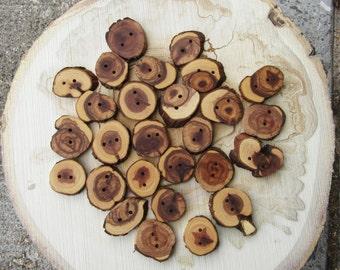 Sale! 100 wooden buttons! Pretty, natural buttons. Juniper wood