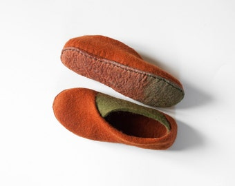 Cinnamon olive envelope slippers Felted slippers Handmade footwear wool felt slippers Eco friendly shoes home shoes Cozy spring shoes