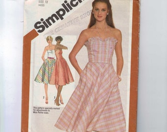 1980s Vintage Sewing Pattern Simplicity 5100 Misses and Petite Sweetheart Neckline Strapless Sundress Size 12 Bust 34 1981 UNCUT