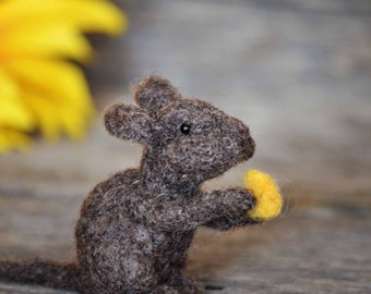 Needle Felting Kit - Mouse - DIY craft - felted miniature