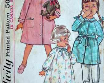 Vintage 60's Simplicity 5762 Sewing Pattern, Toddlers' Nightgown and Robe, Size 1, 20 Breast, Girls Sleepwear