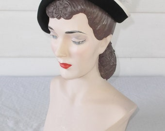 1950s Vintage Black and White Hat with Feather Spray by Flo-Denis