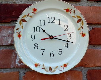 """Hall's Vintage AUTUMN LEAF Pattern 9"""" Diameter Luncheon  Plate Size  Custom Made Plate Clock"""