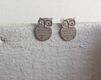 Owl stud earrings-Small studs-Sterling silver -Bird earrings-Owl jewelry-Dainty stud earrings-Animal Jewelry-Gift for her-Jewelry under 30