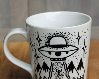 Hand painted alien UFO coffee mug! Hop in dork mug!