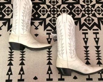 Vintage Cowboy Boots Womens Cowboy Boots Cowgirl Boots White Leather Cowboy Boots Size 6 Western Boots Southwestern Boots