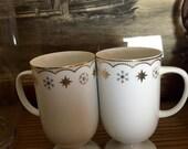 Snowflake Coffee Mugs - vintage Japanese mugs - mid century mugs - mid centuty table - fine china mugs - winter mugs - white and gold mugs