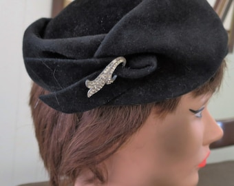 1950s Black Felt Hat with Rhinestone Feature