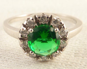 Vintage Size 7 Round Green Glass Rhinestone Sterling Ring