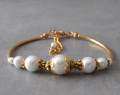 White Pearl Bracelet in Gold Pearl Bridal Bracelet White Wedding Jewelry Vintage Style Bridal Jewelry in Antiqued Gold Custom Colors Welcome