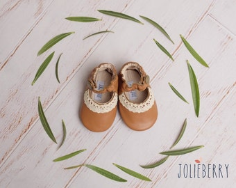 LUCY Baby Shoes in Brown Leather