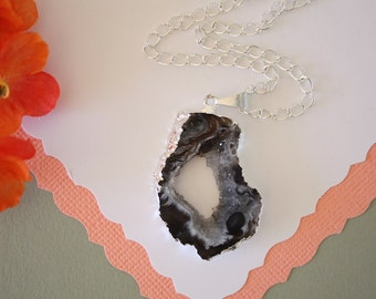 Geode Necklace Silver, Crystal Necklace, Geode Agate Slice, Druzy Pendant, Natural Geode, GS40