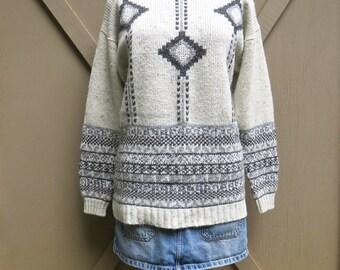 80s/90s vintage Oversized Southwestern Design Marled Ivory and Grey Sweater