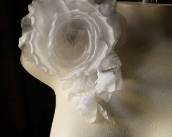 WHITE Silk Rose Spray Millinery Rose for Bridal,  Corsages, Sash Adornment MF117
