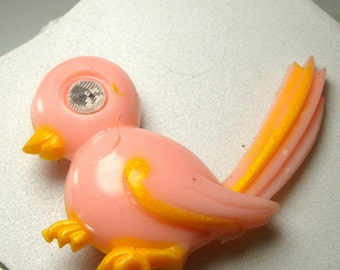 SALE, Winking Eye Pink Plastic Bird Pin, 1960s, Changes with The Angle,  Fun Easter Retro Bro0ch,