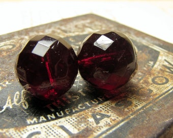 large faceted glass beads - vintage 1930s 1950s cherry amber red - 2 beads for earrings - 13mm