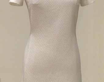 1970s Vintage Day Dress - Textured Knit Casual - Bright White - Versatile Day Dress - Traditional Classic Style Shift - Fresh Cool - 34 Bust