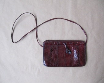 1970s vintage burgandy snake skin cross body purse