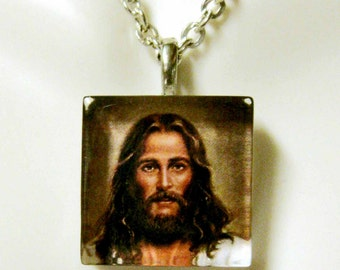 Christ pendant with chain - GP02-009