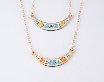 Vintage Bib Necklace with Orange and Blue Flowers, Small Enamel Necklace Cloisonne Jewelry, Boho Necklace, Wedding Jewelry