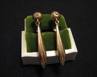 Vintage Napier Gold Tone Teardrop Spike Dangle Clip Earrings