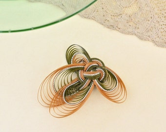 Vintage Reed Brooch Hand Woven Reed Pin Hand Quilled Green and Beige Reed Brooch