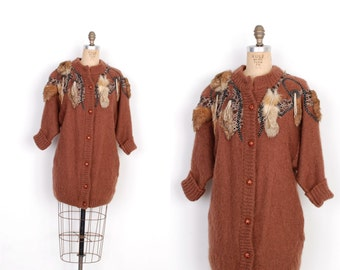 Vintage 1980s Sweater / 80s Oversized Wool Cardigan with Fur Trim / Brown (M L)