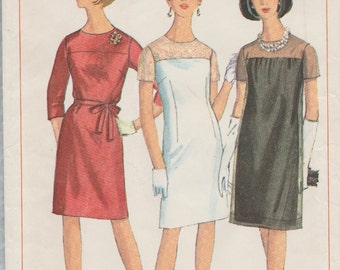 Simplicity 6847 / Vintage 1960s Sewing Pattern / Dress And Overdress / Bust 39