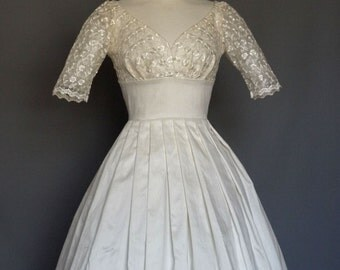 Ivory Silk Dupion Lace Sweetheart Wedding Dress - Made by Dig For Victory