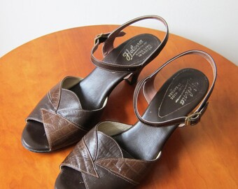 Vintage 1970s Shoes / Strappy Brown Leather Heels Made in Canada / Size 9 Women