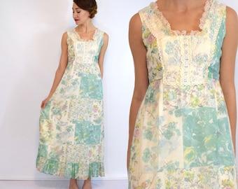 70s Green Floral Maxi Dress | Long Peasant Dress | Lace Trim Bohemian Dress, Small