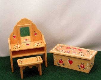 Miniature Dollhouse Furniture Penn Dutch Bedroom Dresser & Stool Blanket Chest Hand Painted