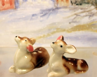 Fawn Miniature Figurine Pair Woodland Animal Christmas Scene made japan Porcelain Ceramic   T