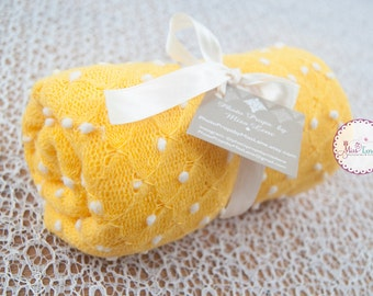Newborn Photo Prop Popcorn Wrap, Yellow Dotted Newborn Wrap, Pebble Wrap, Knit Stretch Wrap, Newborn Layering Prop, Photography Props