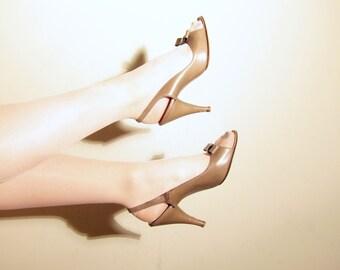 Vintage 1950s Open Toe Slingbacks / 50s Peep Toe High Heels in Light Mocha Brown / 7 1/2