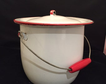 Enamel Bucket Pot Pail With Lid Wire And Red Wood Bale Handle Retro Kitchen Red And White